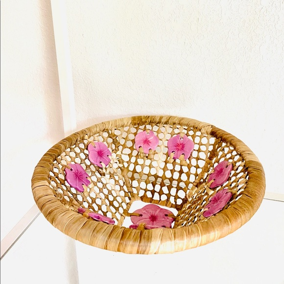 Vintage Boho Large Woven Scalloped Raffia Basket